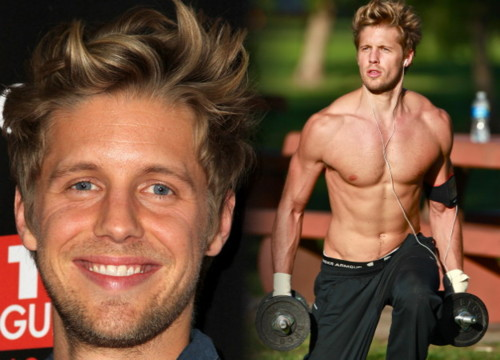 Matt Barr Looking Sexy