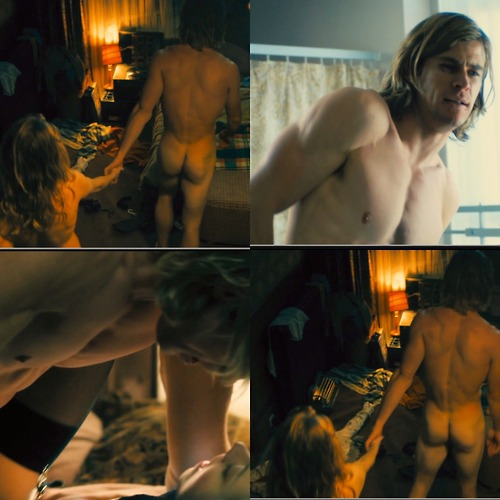 Actor Chris Hemsworth Naked
