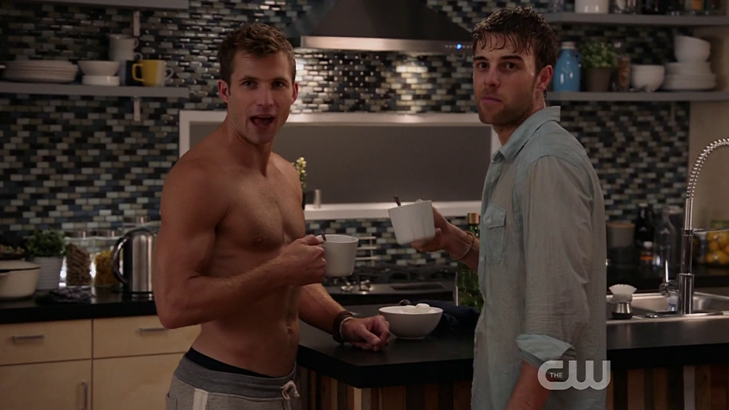 Justin Deeley Shirtless