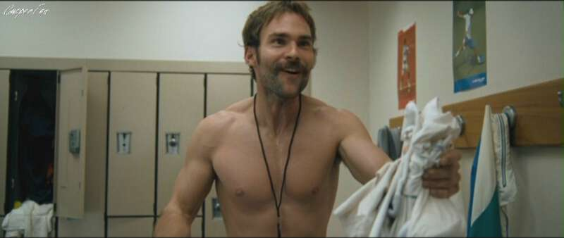 Sexy actor Seann William Scott naked in a locker room scene