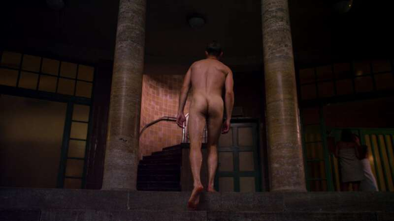 Max Riemelt naked ass in Sense8