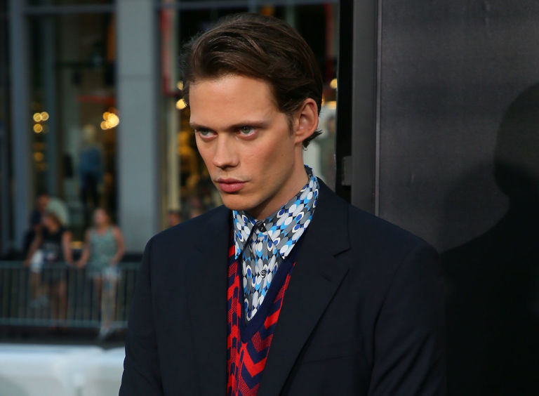 Actor Bill Skarsgård goes nude for roles