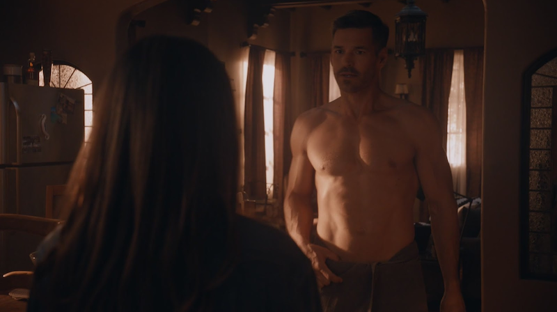 shirtless hunk Eddie Cibrian